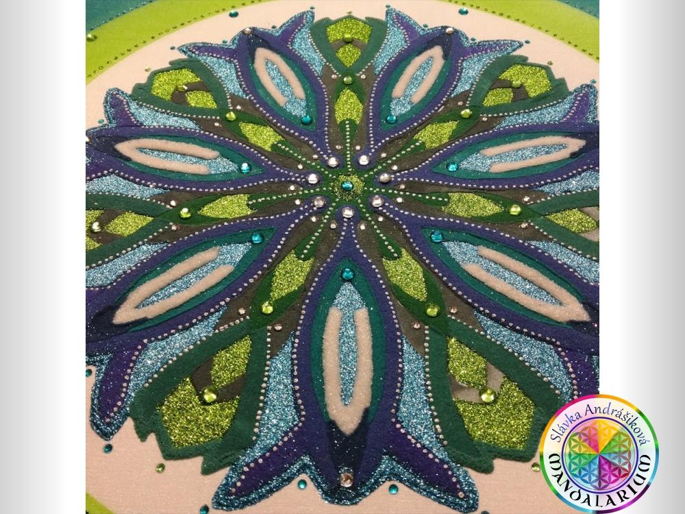 liečivá mandala lotus zvonček fialka piesková mandala kvetinka