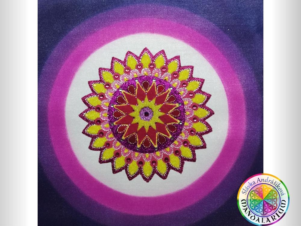pozemský život piesková mandala fialová violet